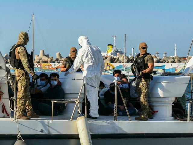 Une dizaine de migrants portés disparus après un naufrage au large de la Turquie