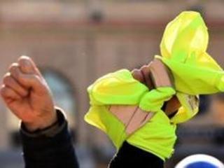 Gilets jaunes: la police néerlandaise recherche aussi le camion qui a percuté un homme à Visé