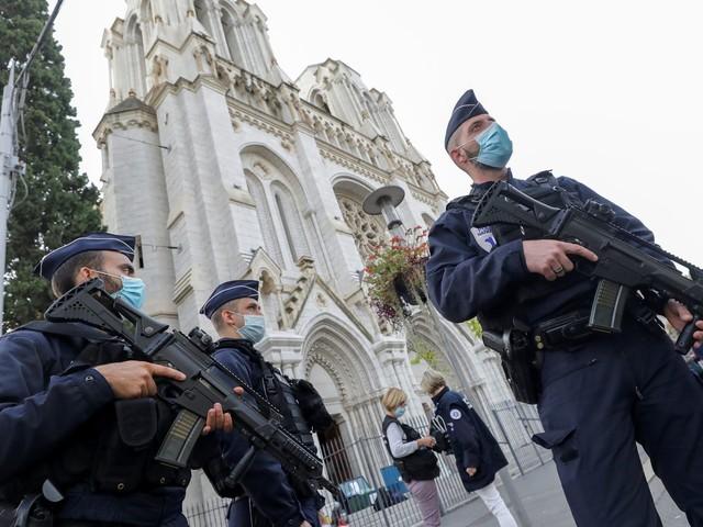 """Attentat à la basilique Notre-Dame à Nice : """"L'islam, ce n'est pas ça, c'est un dieu d'amour"""", a réagi la sœur du père Hamel, assassiné en 2016"""
