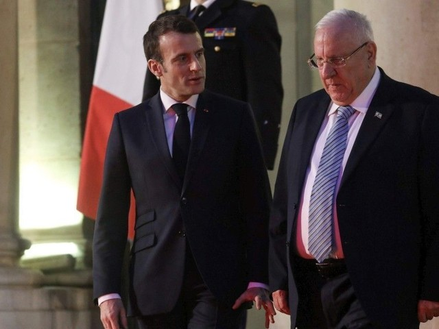"""L'antisémitisme """"relève la tête"""" en France, déplore le président israélien"""