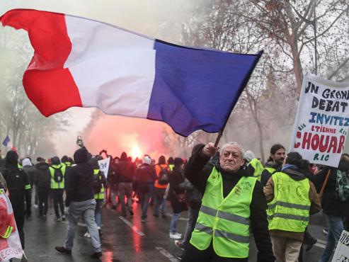 Gilets jaunes en France, acte X: la mobilisation en léger recul