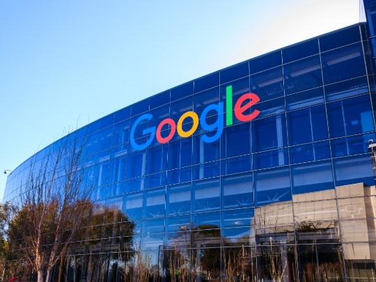 Rachat de Fitbit par Google: le régulateur européen s'inquiète pour les données personnelles