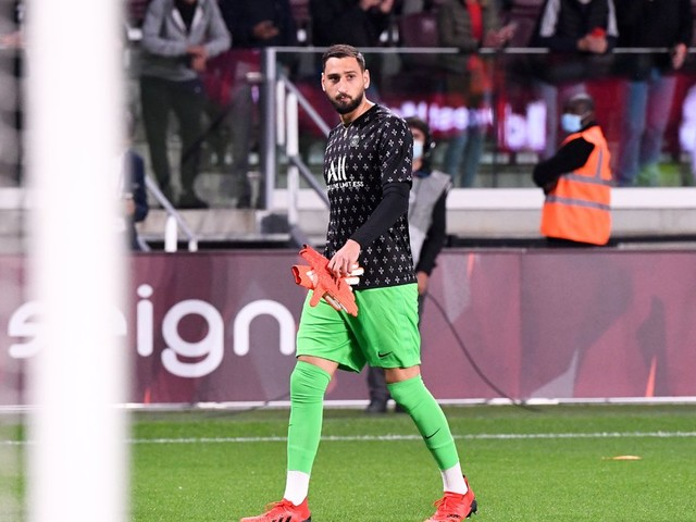 Mercato - PSG : Donnarumma se fait tacler après son transfert à Paris !
