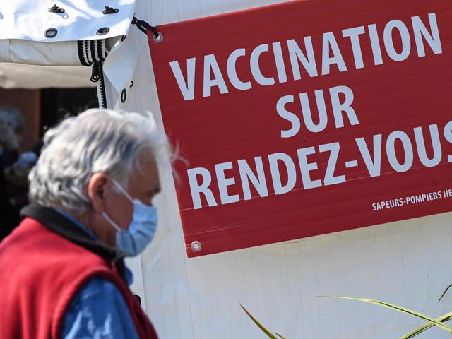 Pandémie: la vaccination connaît des ratés, contaminations record en Inde