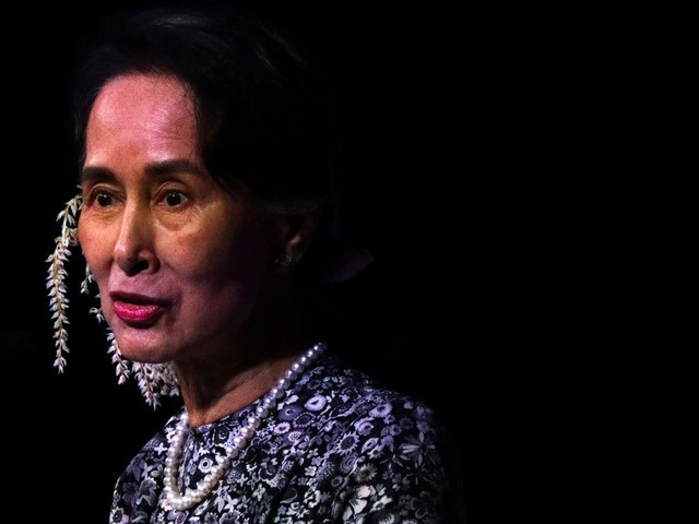 Droits de l'homme: Amnesty retire un prix remis à Aung San Suu Kyi