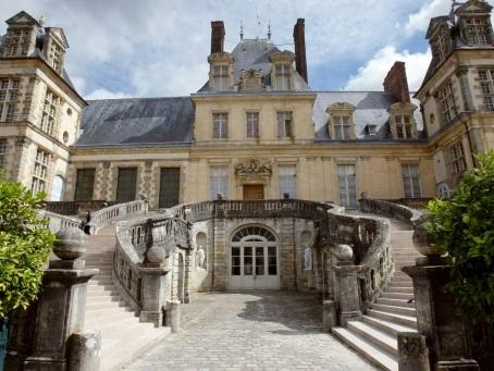 L'Escalier en fer-à-cheval du château de Fontainebleau sera intégralement restauré grâce au mécénat
