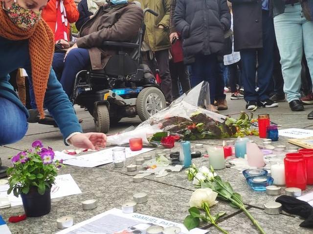 Strasbourg : rassemblement dans l'émotion en hommage à Samuel Paty, professeur assassiné