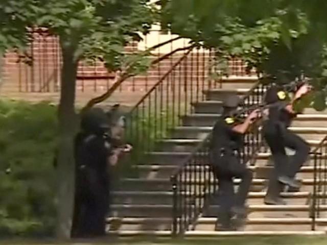 Etats-Unis: un tireur fait 12 morts dans une station balnéaire en Virginie (photos)