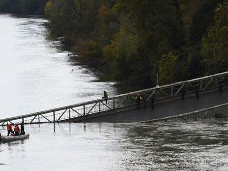 Pont effondré près de Toulouse