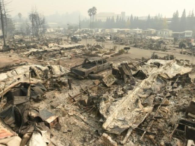 Des incendies fulgurants font au moins 17 morts en Californie