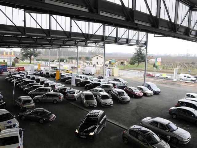 Libourne : odeur suspecte dans la concession automobile, 70 personnes évacuées