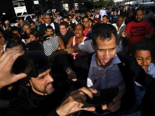 Venezuela: l'opposant Guaido de retour à Caracas après sa tournée internationale