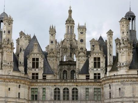 France: le château de Chambord rouvre en catimini, des visiteurs ravis