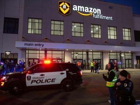 Amazon interdit temporairement à la police d'utiliser sa technologie de reconnaissance faciale