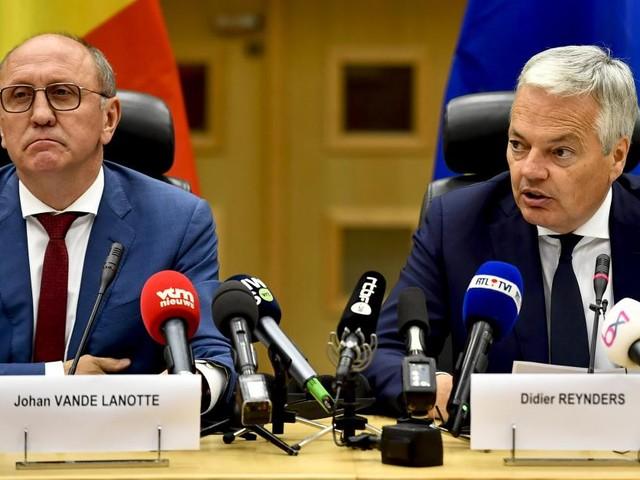 Formation fédérale: Didier Reynders et Johan Vande Lanotte feront samedi un nouveau rapport au Roi