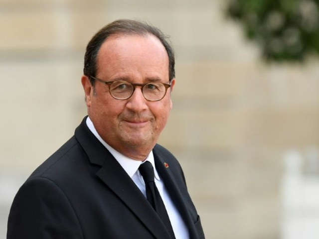 """Hollande prône un """"véritable régime présidentiel"""" sans Premier ministre"""
