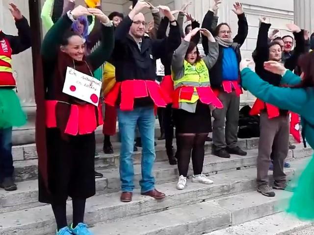 Le lac des cygnes de l'opéra de Paris fait des émules contre la réforme des retraites