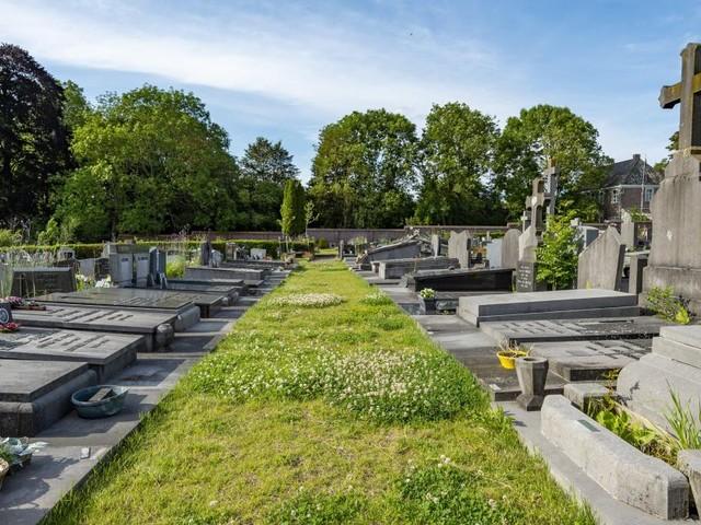 Découverte du corps d'une jeune fille dans un cimetière des Pyrénées-Orientales en France