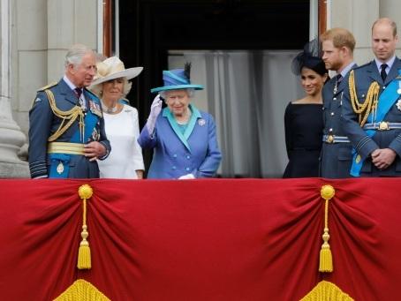 Harry et Meghan: Elizabeth II convoque une réunion de crise