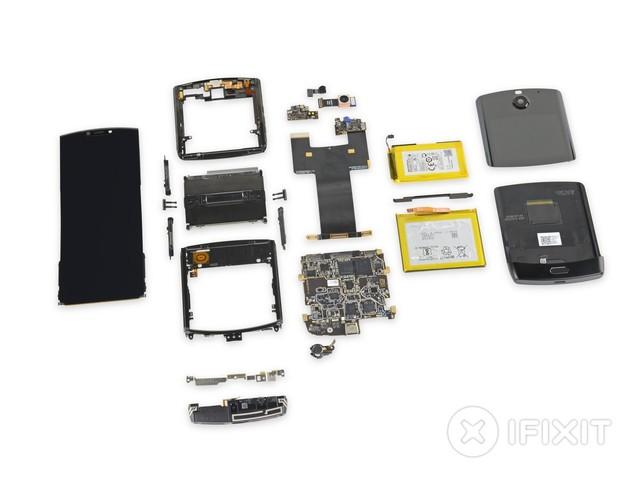 Le Motorola RAZR fait l'objet du démontage «le plus compliqué» d'iFixit à ce jour