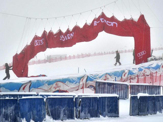 Chamboulé, le ski alpin reprend à Sölden dans l'incertitude