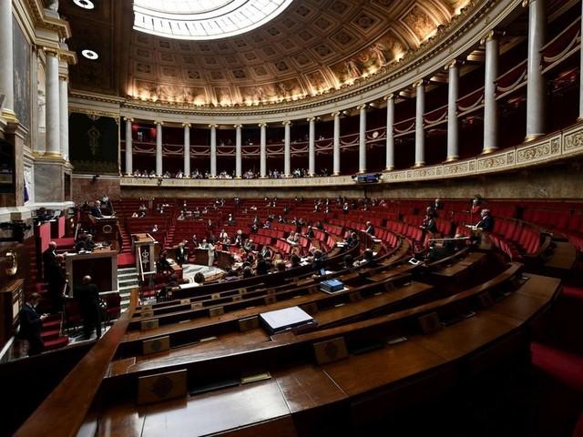 Le remboursement des frais d'hébergement des députés à Paris rehaussé, de 900 à 1200euros par mois