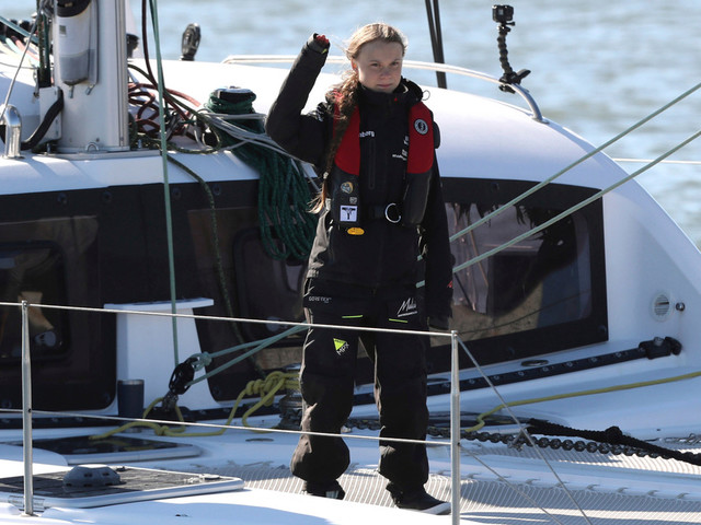 Greta Thunberg accoste à Lisbonne pour assister à la COP25