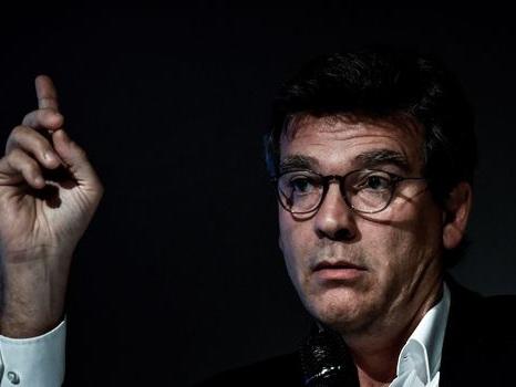 Alstom: GE ne respecte pas l'accord sur l'emploi, dit Montebourg