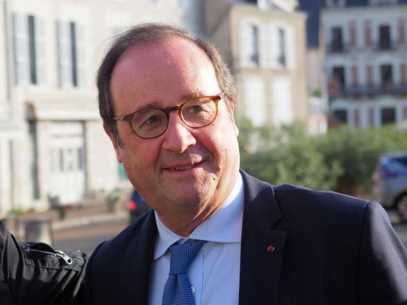«Lyon, Lyon, ni oubli, ni pardon»: la conférence de François Hollande à Lille annulée à cause d'étudiants