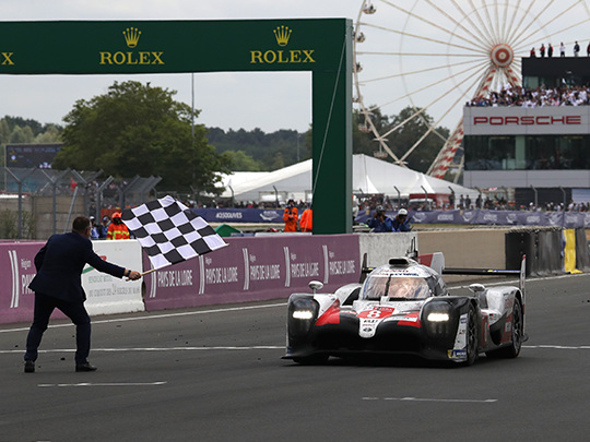 24 Heures du Mans : la Toyota TS050 Hybrid #8 l'emporte pour 16,9 secondes