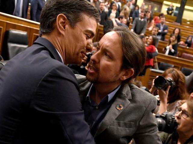 Espagne: en s'alliant avec la gauche radicale de Podemos, Pedro Sanchez parvient à se maintenir de justesse au pouvoir