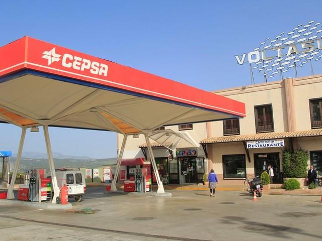 La compagnie pétrolière espagnole Cepsa lance son réseau de stations service au Maroc