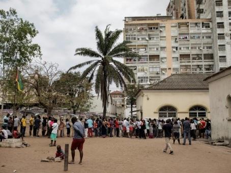 Jour d'élections générales sans incident majeur au Mozambique