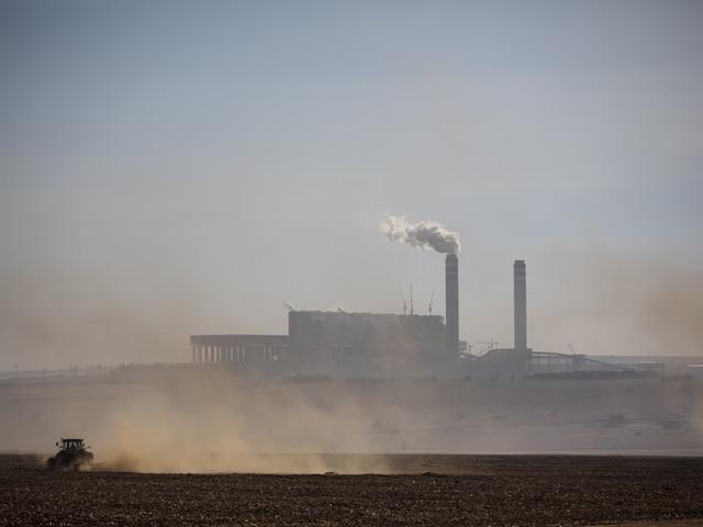 En Afrique du Sud plongée dans le noir, les entreprises font grise mine