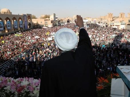 L'Iran en récession annonce une découverte pétrolière géante