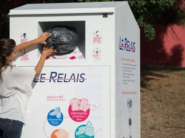 Aude : le Relais annonce la suspension de la collecte sur les bornes à textiles