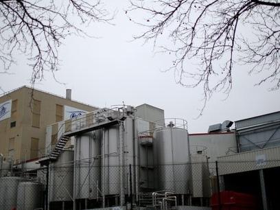 """Lait contaminé : Lactalis récolte une nouvelle plainte pour """"négligences"""""""