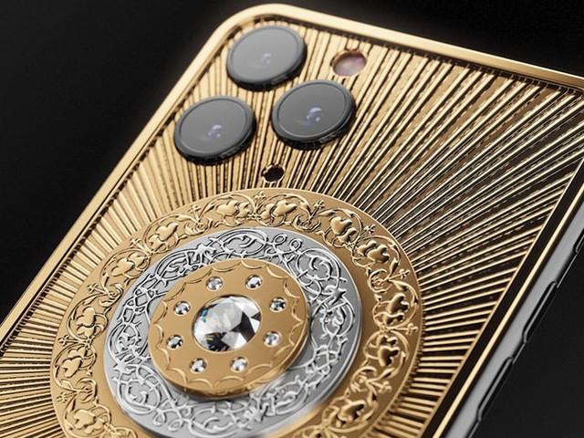 iPhone 11 Pro : Caviar dévoile une édition de Noël incrustée de diamants, à 115 000€