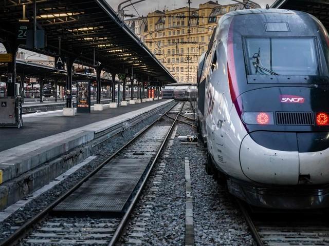 Grève du vendredi 17 janvier : nette amélioration à la SNCF, plus légère à la RATP
