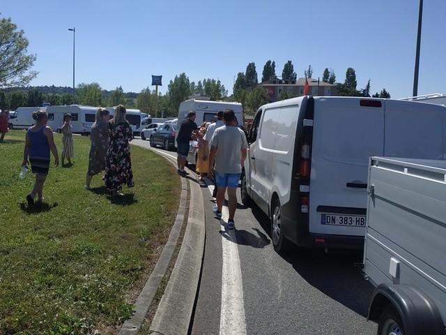 150 caravanes et 500 voitures : les gens du voyage bloquent la ville d'Auch