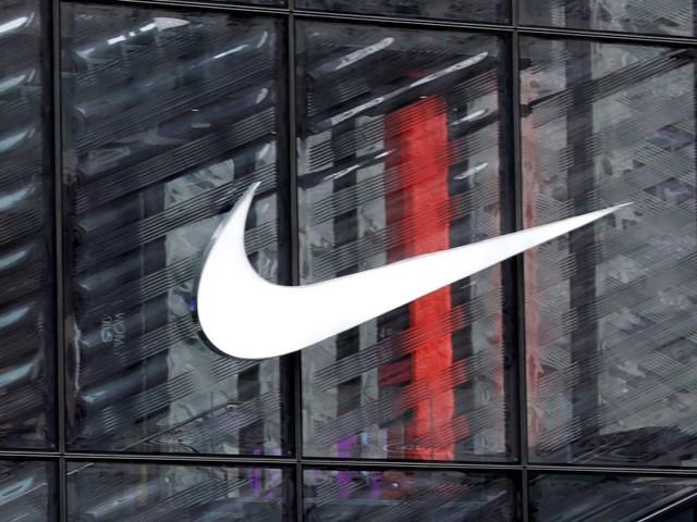 """Pourquoi Nike prévoit une """"pénurie"""" de chaussures et vêtements ces prochains mois"""
