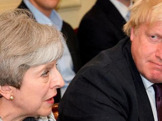 Brexit: May face aux récriminations des députés britanniques
