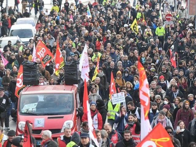 Nantes : la manifestation contre la précarité rythmée par des affrontements avec la police