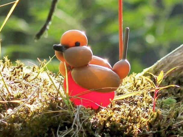 Birds Balloon Sculptures into the Wild