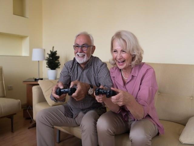 Insolite - Depuis 20 ans, ce couple s'affronte à Mario Kart tous les jours pour savoir qui fera le thé