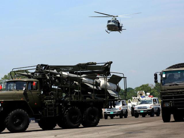 Caracas entame des manœuvres militaires à la frontière colombienne