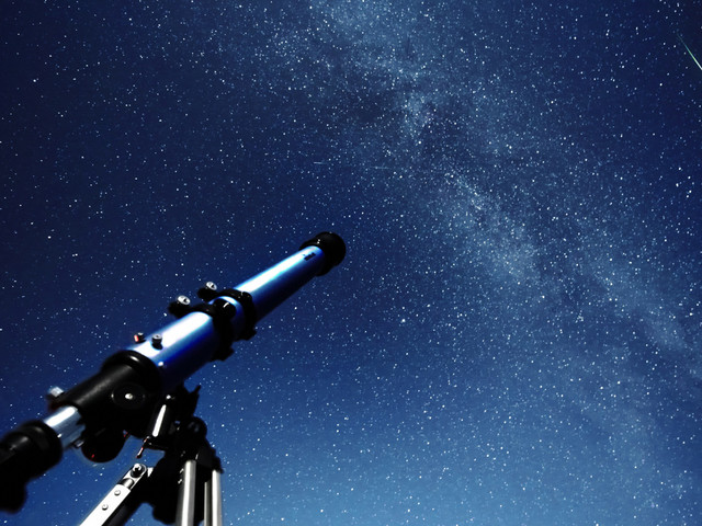 Ce qu'il faut savoir sur la pluie d'étoiles filantes visible cette nuit au Maroc (INTERVIEW)