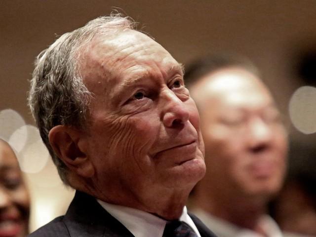 Michael Bloomberg prêt à dépenser une fortune pour affronter Donald Trump