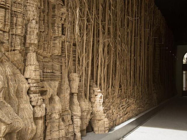 Une forêt végétale de 1800 kg de carton ondulé en plein coeur de Paris