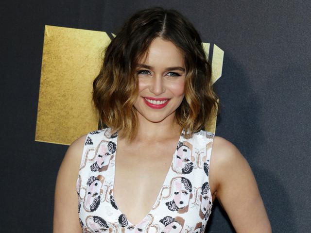 Emilia Clarke (Game of Thrones) : Le sort réservé à Jon Snow dans le final l'a choqué